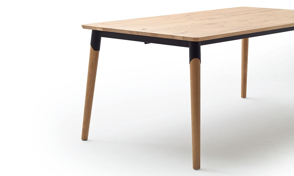 ausziehbarer Esszimmertisch mit Holzfuß